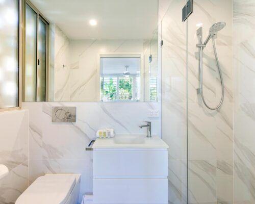 2-bedroom-2-bath-top-waterfront (4)