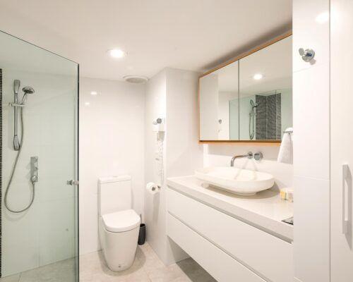 2-bedroom-deluxe-waterfront-ground (8)
