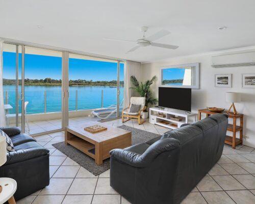 3-bedroom-top-waterfront (10)