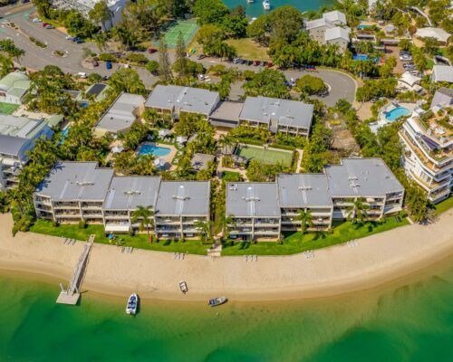 Noosa-Harbour-Resort-Aerial (2)