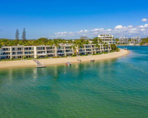 Noosa-Harbour-Resort-Aerial (23)